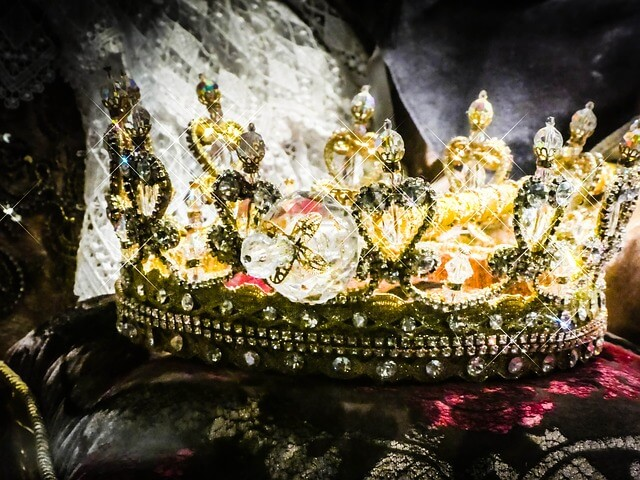 Najbogatszy człowiek świata - korona